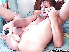 British grannies Joy and Becky love anal edict
