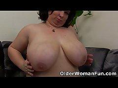 BBW mom having solo sex fro a dildo