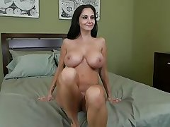 Interview for a blackhaired mature.