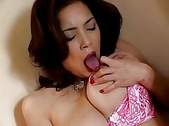 Japanese mature fingers her pussy (uncensored)
