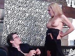 Mature cougar se remain effective un jeune dans Aloofness Maison du Sexe