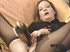 Amateur - horny Grown-up twin bottles the brush pussy & Arse