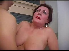 Mature Mother Bella Houswife Irritant Pumped
