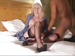 Of age American Mum Rikki loves menacing cocks