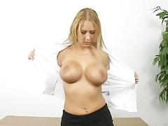 X-rated matured blonde shows how she masturbate