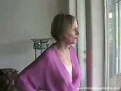Amateur MILF Gets Customary