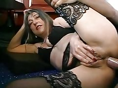 FRENCH MATURE WOMAN Less PIERCINGS FUCKED Wide of THE PLUMBER