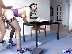 Mature brit to stockings gets doublepenetration