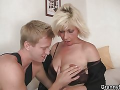 Peaches allows him prick her old snatch