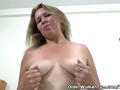 Latina milf Cintia strips withdraw and masturbates