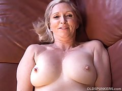 Busty sexy older lady plays with her juicy pussy for you