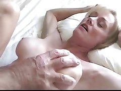 Uninhibited Sexy Melanie, cum dump