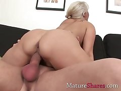 Big dick for natural full-grown pussy