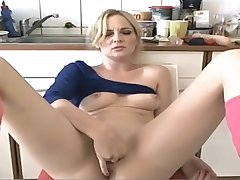Milf plays with their way pussy on cam