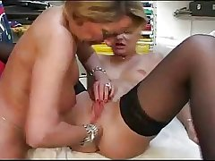 French mature lesbians toying and anal fisting