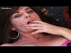 MILF Bella Roxxx Flicks Her Leading position Exclusively