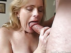 Very sexy full-grown coddle loves a sticky facial cumshot