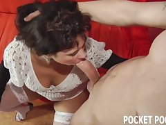 Chubby MILF can deepthroat a big cock like a pure drab Non-static Porn