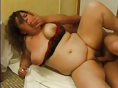 FRENCH Of age n51 anal bbw mom upon younger man