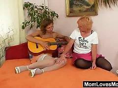 Woolly milf gets toyed by absurd blondie wifey