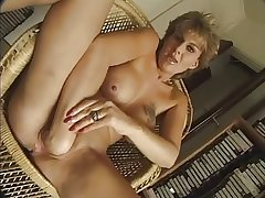 FRENCH MATURE n56 blonde anal female parent  beside nice confidential
