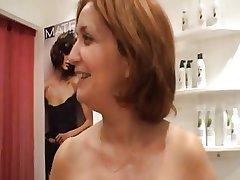 X grown-up hairdresser