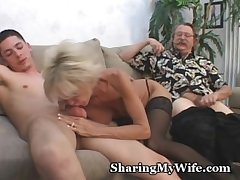 Grown-up Couple Forth 3some Sex Game