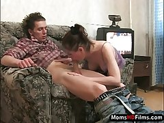 Skilled mature bitch screwed by young guy