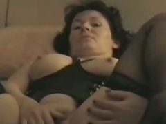 Bernadette 44 years Masturbating plus cumming