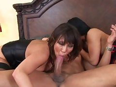 Ava Devine with an increment of another slut fucked lasting