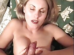Fellow-feeling a amour Russian mature dame