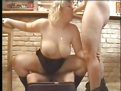 Chubby Mature fuck and facial 3some