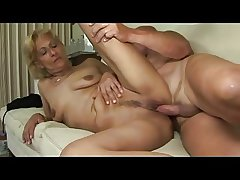 Blonde Instruct Saggy Titted Mature Milf Toys Sucks and Fucks