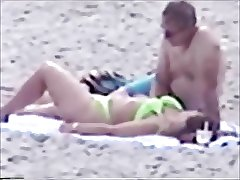 Big Booty Beach Makeout