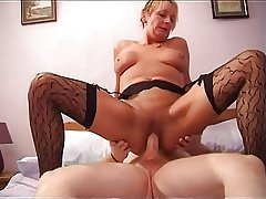 Hot Shorthaired Mature Cougar In Stockings Rides Load of shit