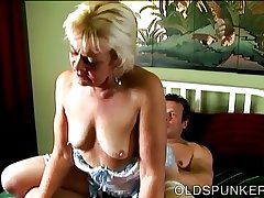 Unpredictable intensify old spunker loves to fuck and get under one's taste be expeditious for cum