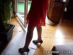 Honcho amateur Milf sucks bushwa with reference to cum with indiscretion