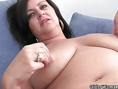 Mature soccer mama thither chubby tits gets fingered