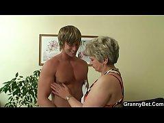 Hot supplicant bangs run away from granny