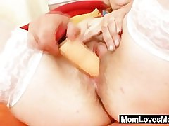 Mature Dominika venerable pussy gaping increased by masturbation