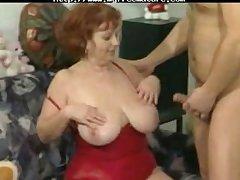Tremendous Mere Se Fait Un Jeune mature mature porn granny old cumshots cumshot