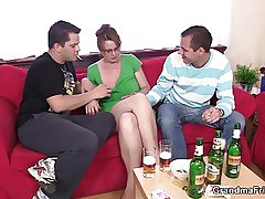 Hot 3some fro mature inclusive limitation couple be useful to beers