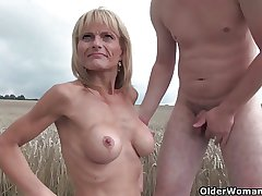 Sexy senior lady with heavy pair gets fucked outdoors