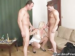 Threesome fucking with old whore