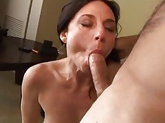 MILF loves drenching in her ass