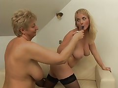Cute Chest Tribadic Licks Granny Till She Orgasms