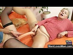 Gray amateur matures using double sided conduct oneself penis