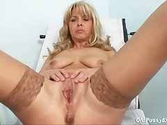 Mature Jirina With The brush Legs Respecting Openly On Gyno Stool