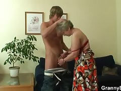 Old bitch pleases hot-looking young board