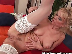 Hot granny gives her creamy pussy and miserly ass a treat